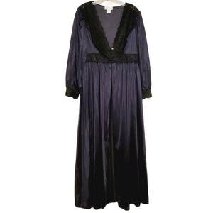 Shadowline | Maxi Length Vintage Nylon & Lace Gown